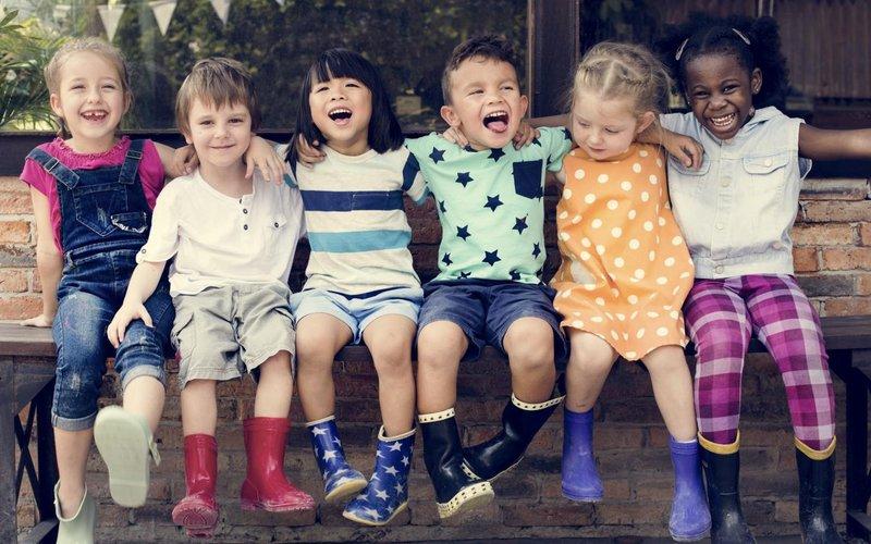 rsz 4 alasan anak harus bergaul dengan teman dari beragam latar belakang budaya 1