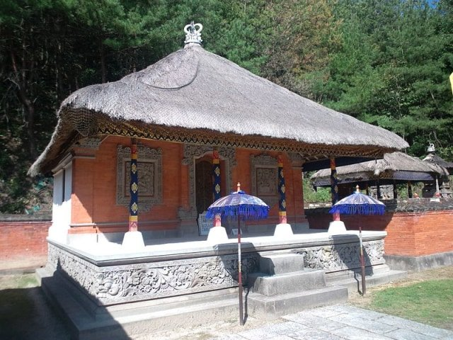 rumah adat bali - bale gede