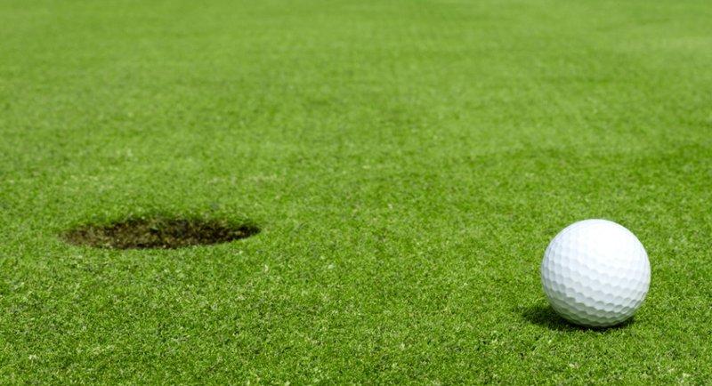 olahraga skoliosis hindari golf.jpg
