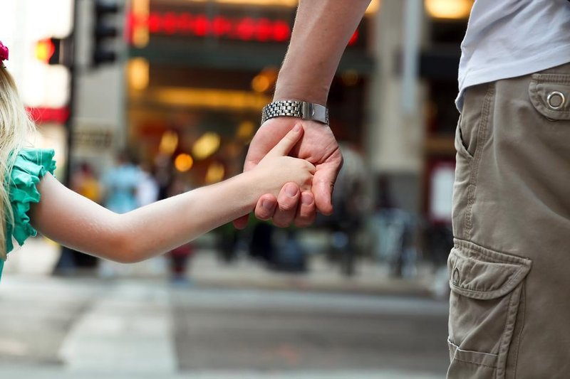 safe kids safe families 7 steps to take to keep your child 16250 3a440f0785 1524695349