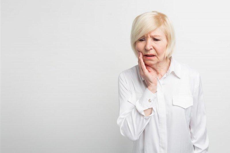 sakit gigi -womanandhome.com.jpg