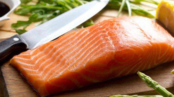 Cara Alami Mengatasi Gejala Menopause - salmon - thetapaslunchcompany.co.uk.jpg