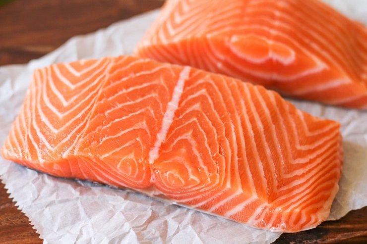 Salmon adalah ikan yang menjadi sumber vitamin a terbaik