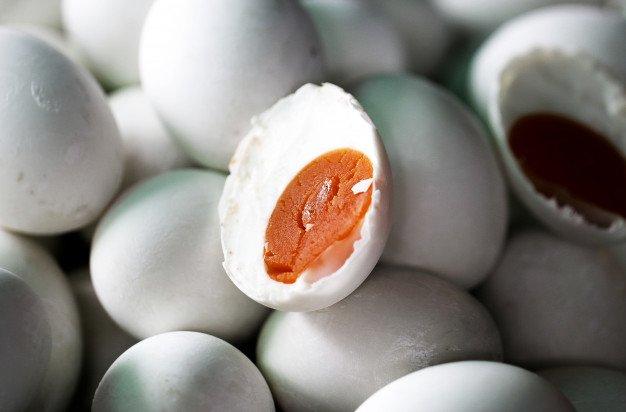 Waspadai Bahaya Telur Asin
