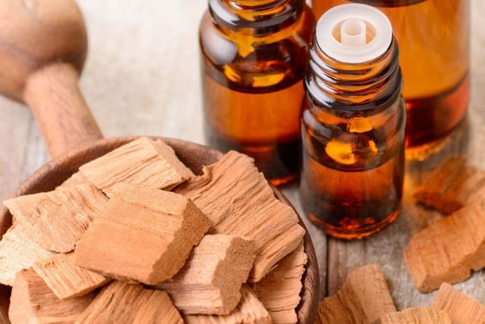 sandalwood_essential_oil.jpg