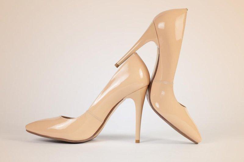 sepatu nude heels