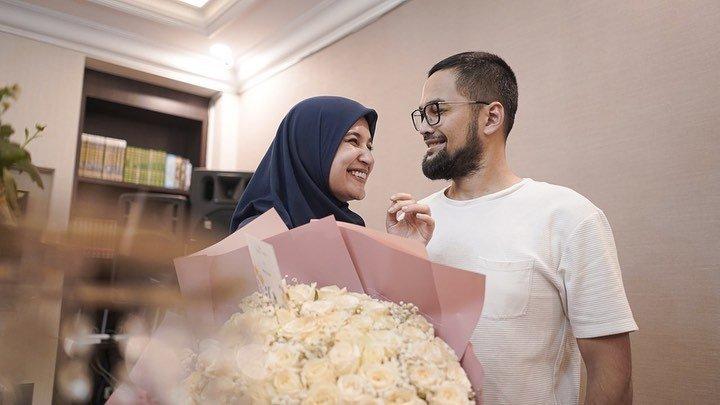 Kisah Cinta Teuku Wisnu dan Shireen Sungkar
