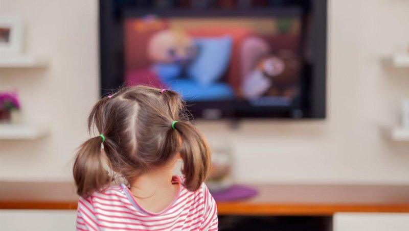 si kecil sering melihat video di youtube perhatikan dulu 4 hal berikut ini 4