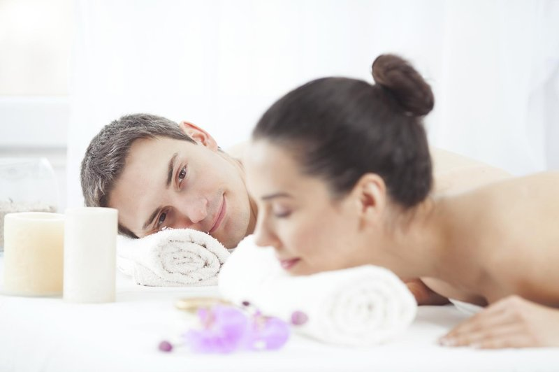 spa couple