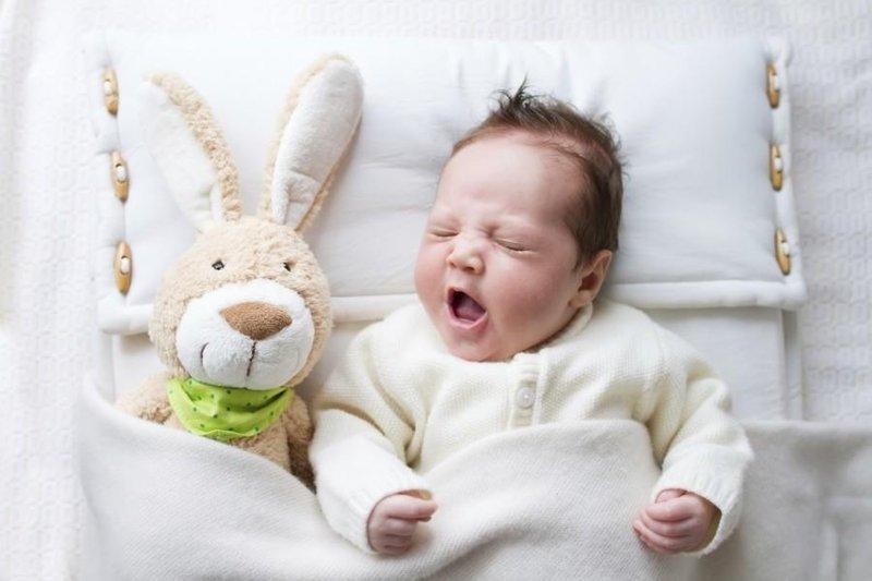 pola tidur bayi