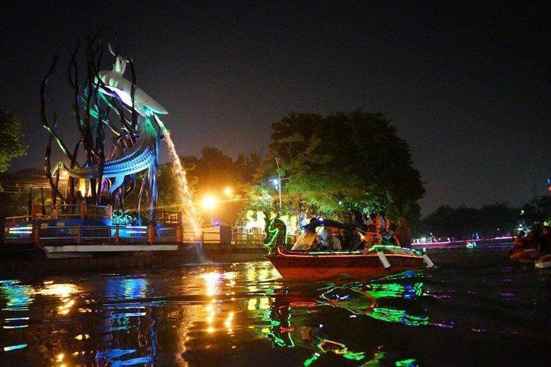 sungai kumuh yang dijadikan tempat wisata