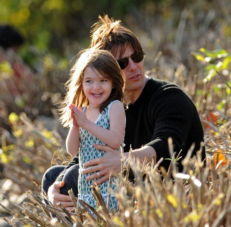 suri cruise tom cruise october 2009