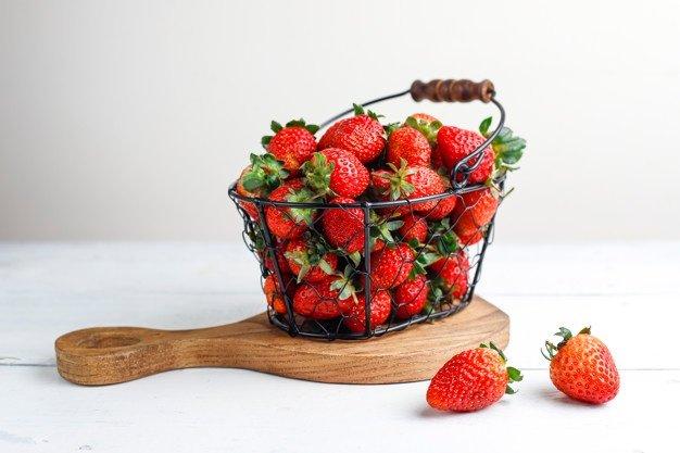 Cara Menanam Strawberry di Polybag