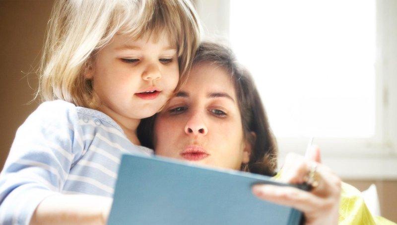 tak disangka ini dia 4 manfaat membacakan dongeng untuk si kecil 3