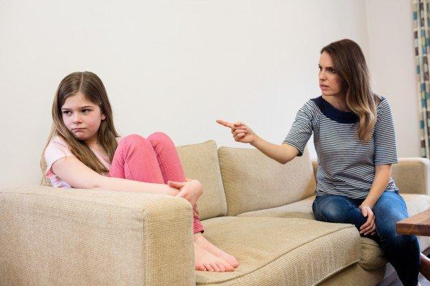 tanda anak dengan toxic parents 6.jpg