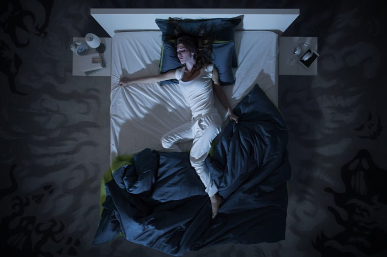 tanda leukemia - berkeringat di malam hari (shutterstock).jpg