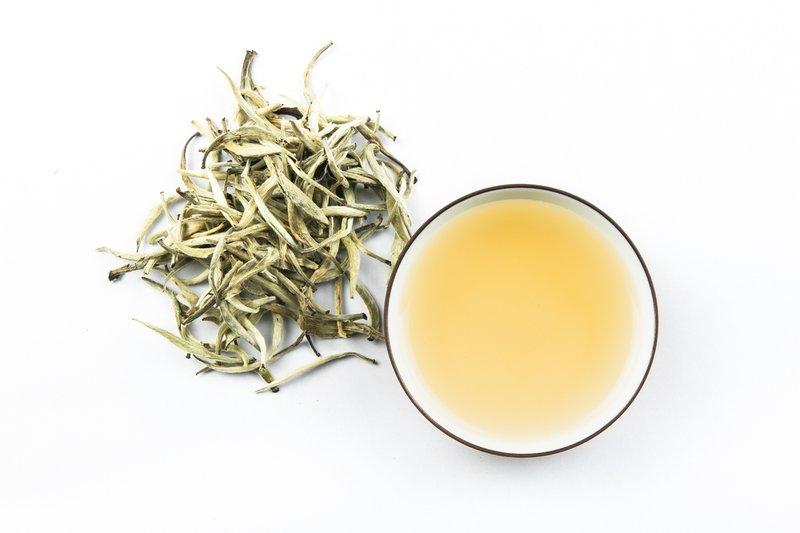 teh untuk menurunkan berat badan-teh putih.jpg