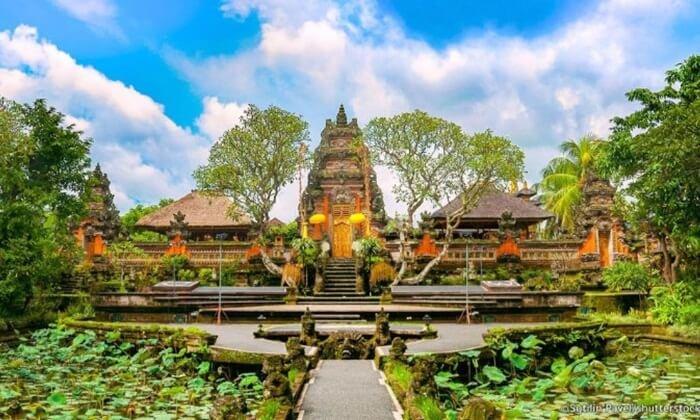 Istana Puri Saren Ubud.jpg