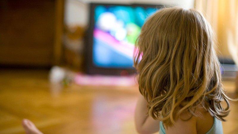 ternyata suara tv dapat mengganggu perkembangan balita kok bisa 3