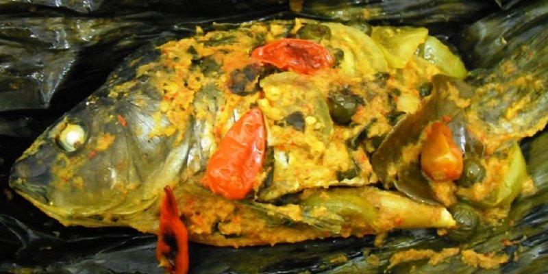 Pepes ikan mas khas sunda