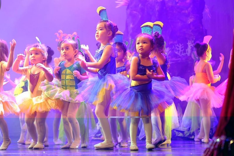 Thalia Onsu Lakukan Pertunjukan Balet, Gayanya Menggemaskan Sekali!