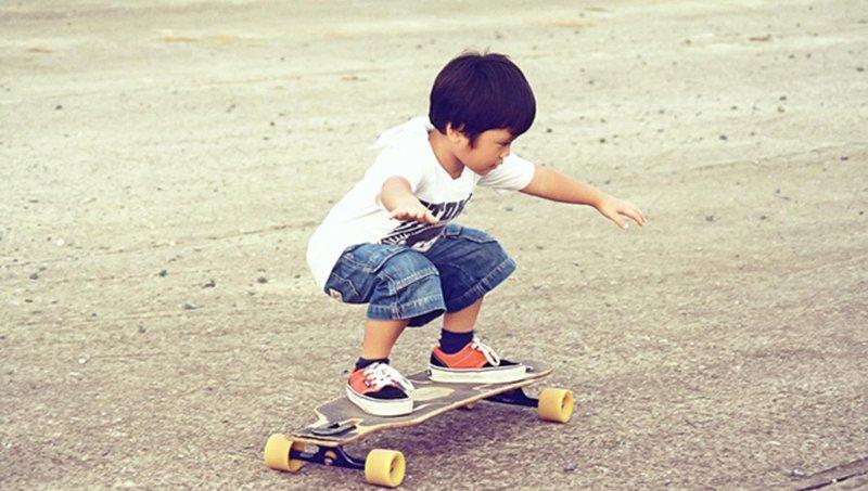 tidak disangka, ternyata ini 4 manfaat bermain skateboard untuk anak 4
