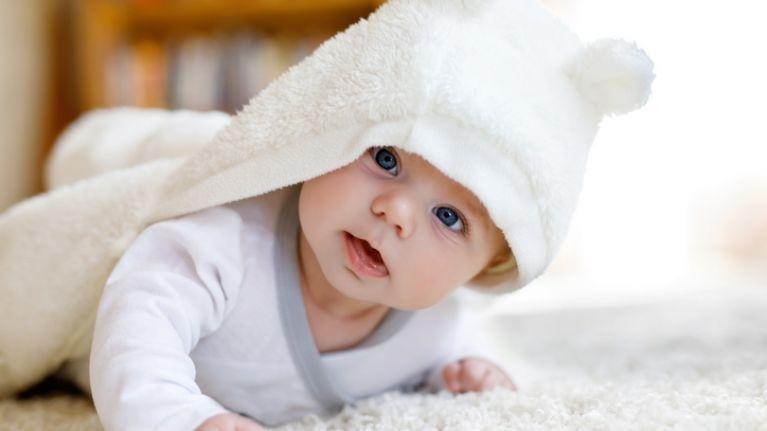tidak selalu demam, ini penyebab kepala dan tubuh bayi terasa panas 2