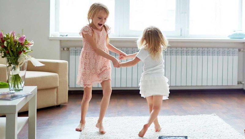 tidak suka dengan teman anak begini cara menghadapinya, moms 4