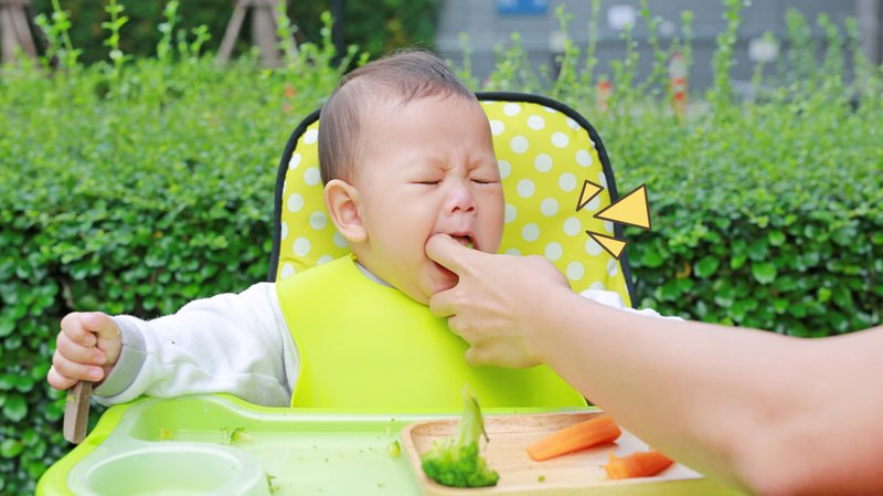 tips-mencegah-bayi-tersedak-saat-makan-MPASI-pertamanya.jpg