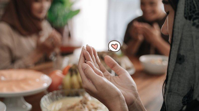 7 Adab Makan dan Minum, Salah Satunya Selalu Berdoa dan Menggunakan Tangan Kanan