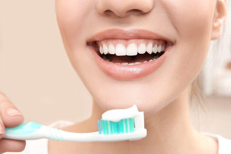 tips teeth brushing
