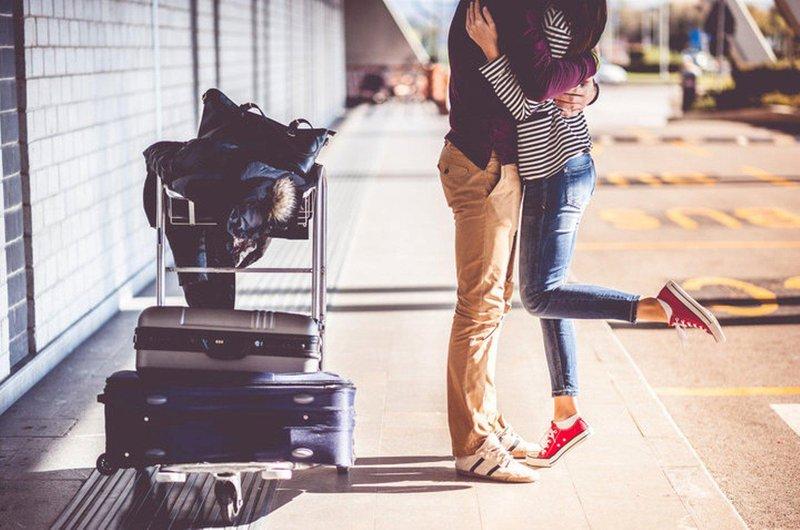 tips menjaga keromantisan dengan suami yang bekerja di luar kota 01