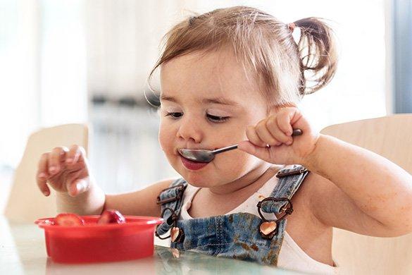 toddler-eating-strawberries.jpg