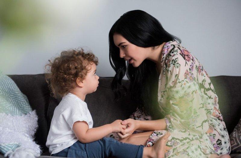 toddler-talking-920x605.jpg