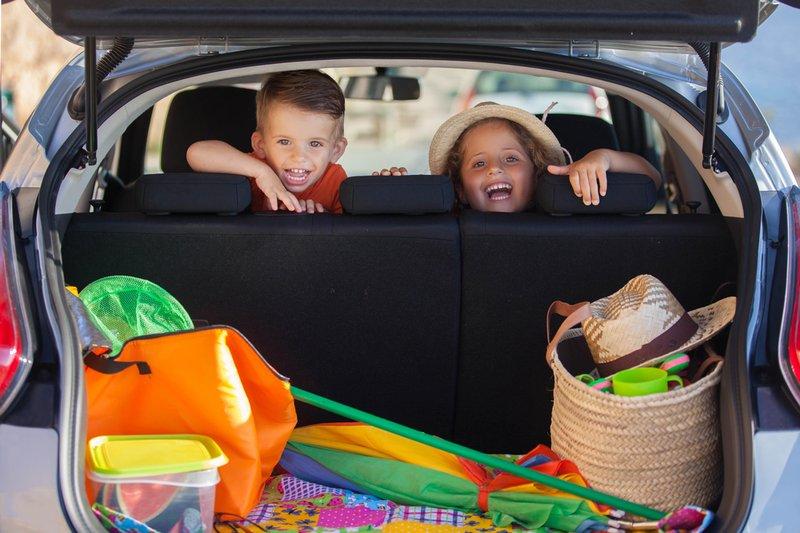 travel-snacks-for-kids-non-messy.jpg