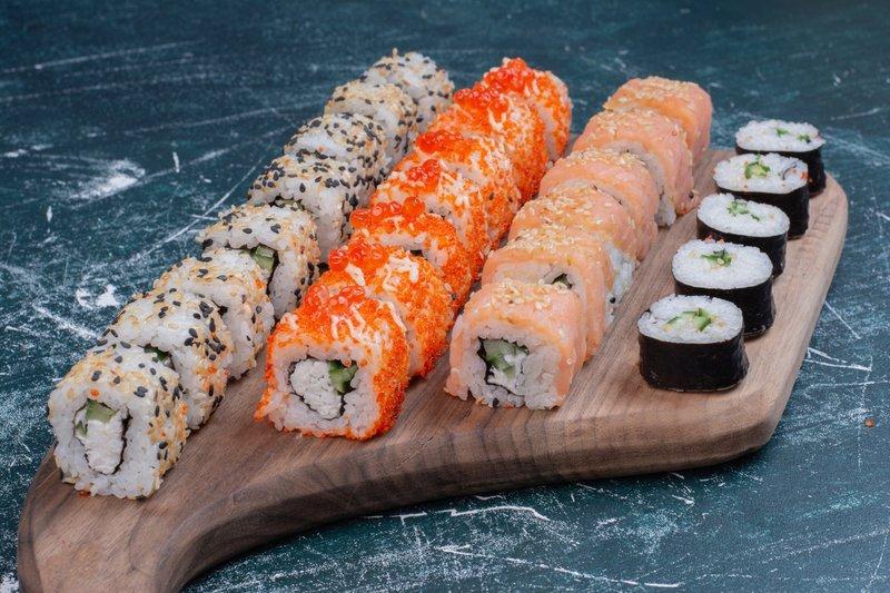 Makanan yang Dilarang untuk Ibu Hamil Trimester Pertama, Sushi.jpg