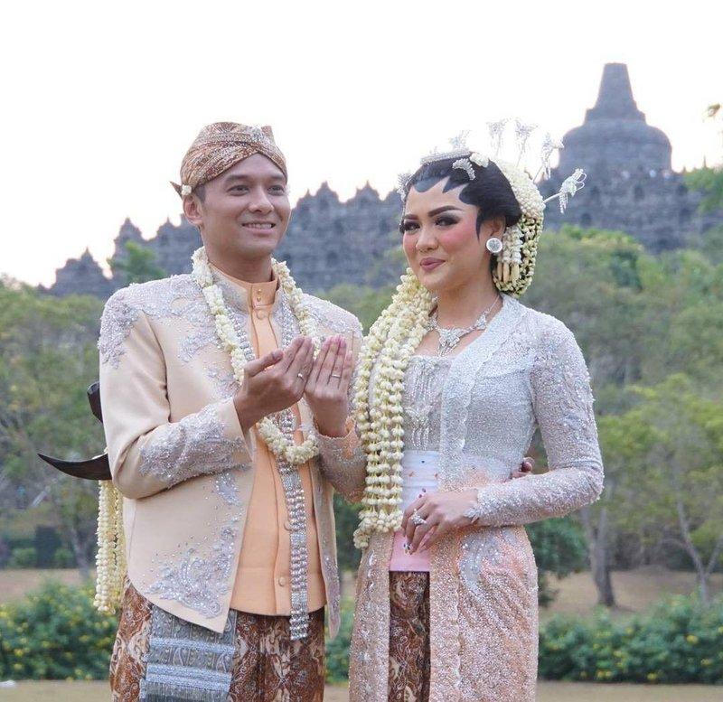 vicky shu menikah