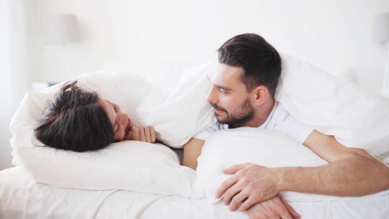 Tips Penting Bercinta di Malam Pertama yang Tidak Terlupakan