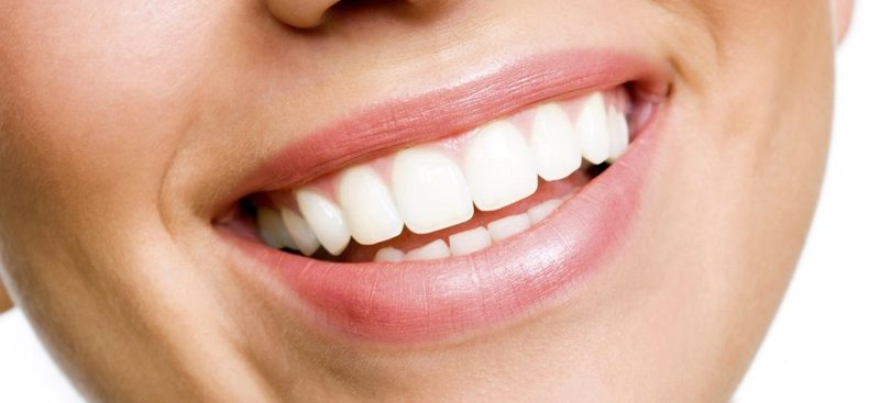 white-teeth-yourdentistryguide.com.jpg