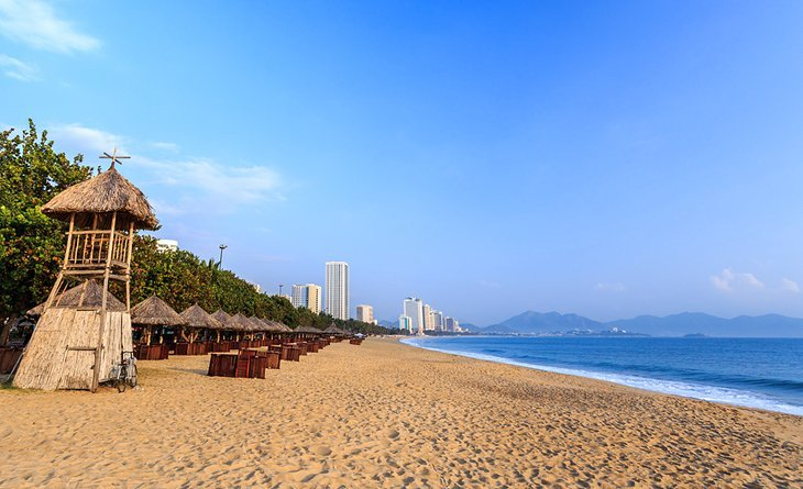 wisata-vietnam-pantai-nha-trang.jpg