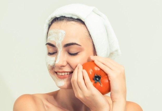 Masker Tomat untuk Kantung Mata