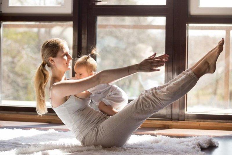 xx pose yoga yang bisa moms lakukan bersama si kecil 5