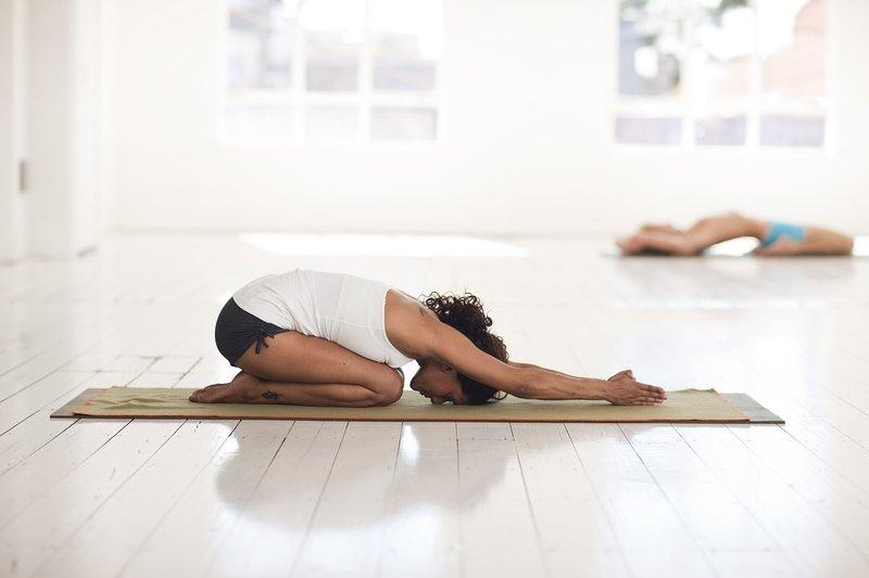 8 Pose Yoga Untuk Tingkatkan Kesuburan 8