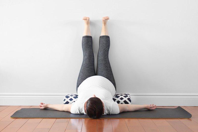 yoga-for-3rd-trimester-05_orig.jpg