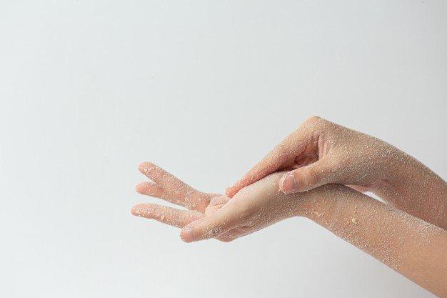 Eksfoliasi memutihkan kulit