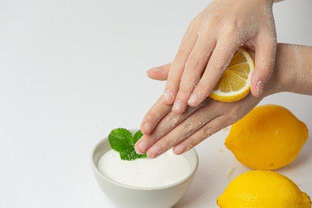 Lemon dan jeruk membantu memutihkan kulit