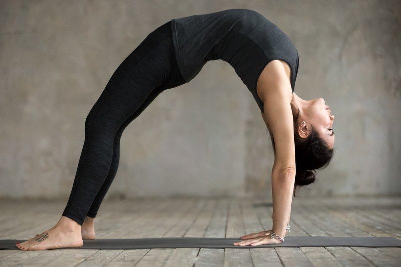 Kayang dalam senam lantai dapat melatih daya tahan otot