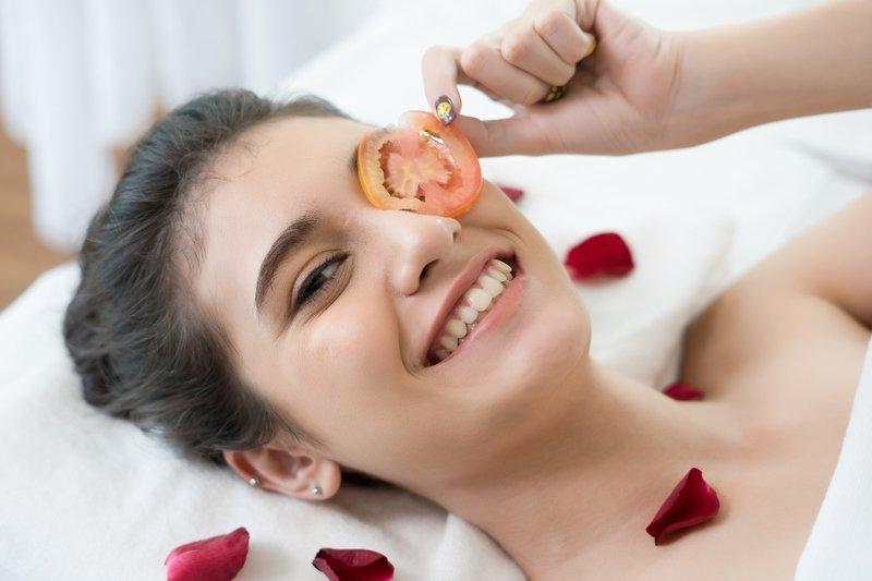 Masker Tomat untuk Kulit Kusam