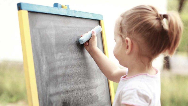yuk, coba 7 cara membantu anak disgrafia belajar di rumah 1