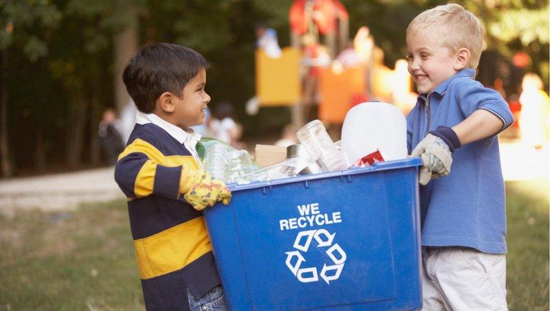 yuk mulai ajari si kecil buang sampah dengan 4 cara mudah ini 1